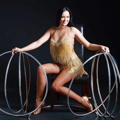 Alla Klyshta - Hulla Hoop Show (Circus Roncalli)